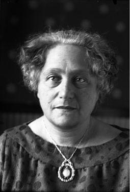Bundesarchiv_Bild_102-00486A,_Elsa_Einstein