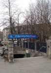 Einstein benutzte diesen U-Bahn-Eingang Westarpstraße Ecke Bayerischer Platz